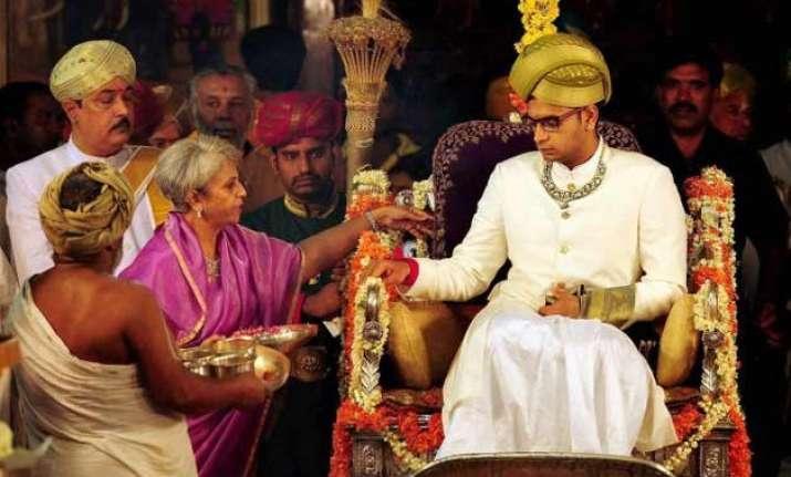 23 year old us educated yaduveer crowned maharaja of mysuru