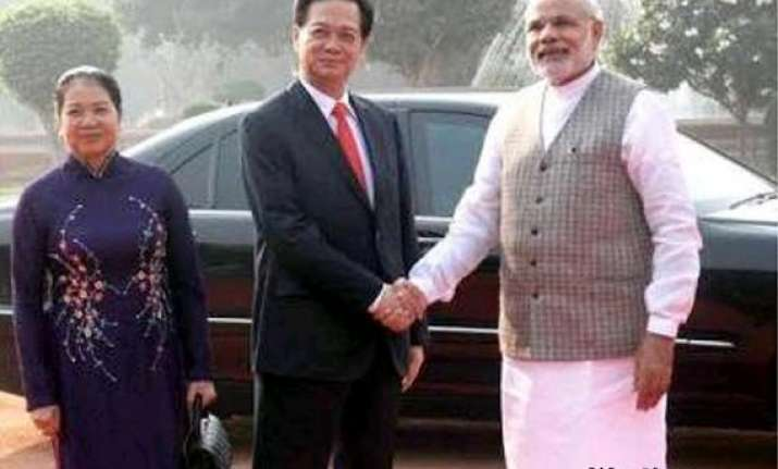 india vietnam to ramp up oil search in south china sea