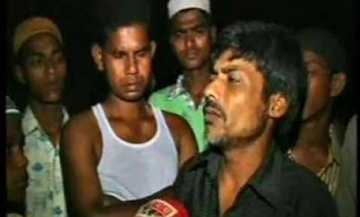 three held in bengal for lynching student