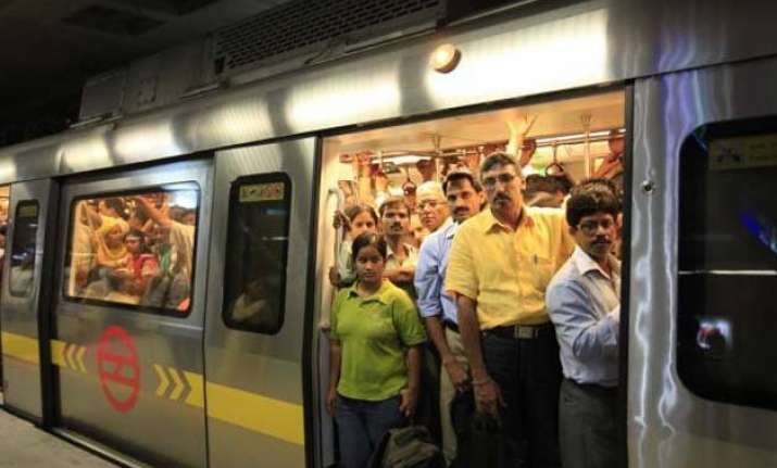 at 27.5 lakh metro ridership above average during odd even