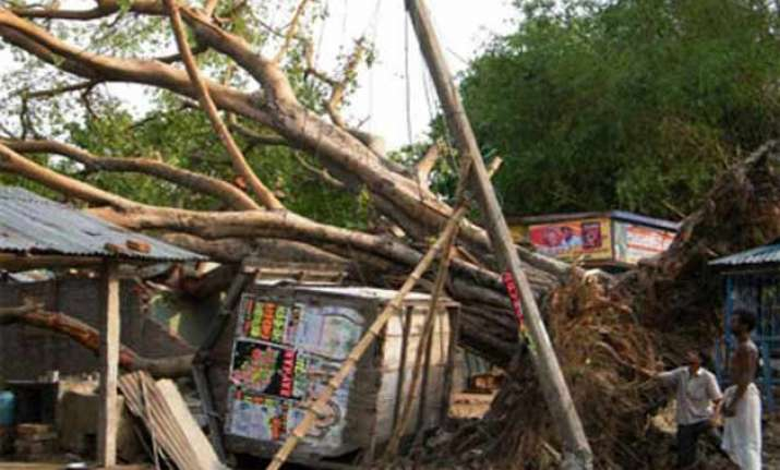 nor wester ravages 12 districts of bihar toll rises to 42