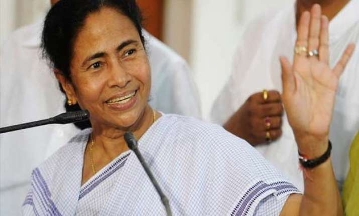 situation in country worse than emergency mamata