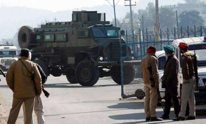 pathankot attack should not derail peace talks say experts