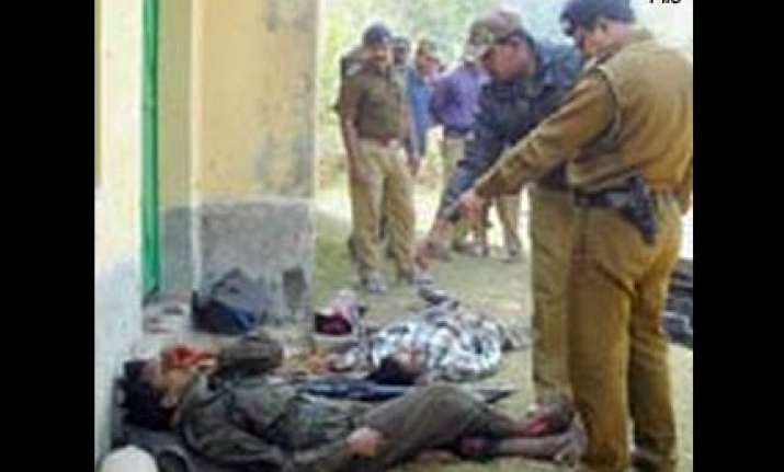 12 naxals killed in encounter in west midnapore