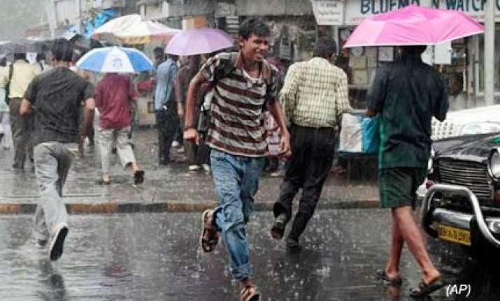 rains disrupt normal life claim 9 lives in thane mumbai