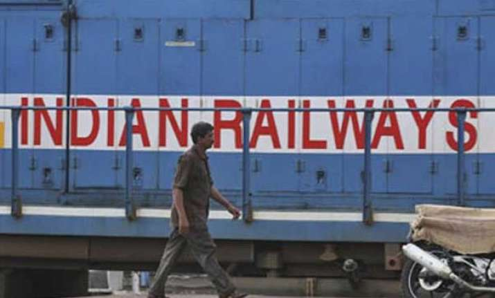 railway to provide dustbins in all 60 000 coaches soon