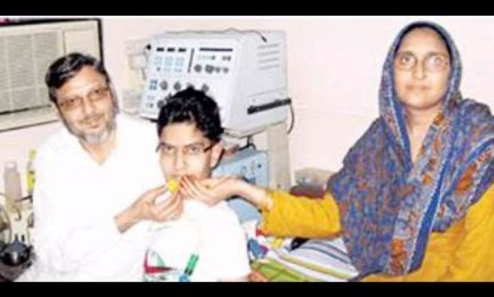 physically challenged boy in mumbai scores 83.64 pc in ssc