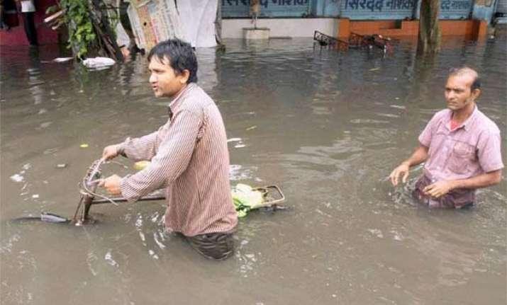 22 killed as heavy rains lash gujarat normal life hit