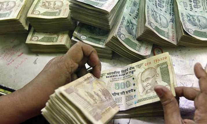 budget 2015 govt might limit cash in hand to rs 10 lakh to