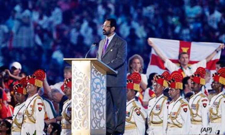 kalmadi gets both cheers and jeers during closing speech