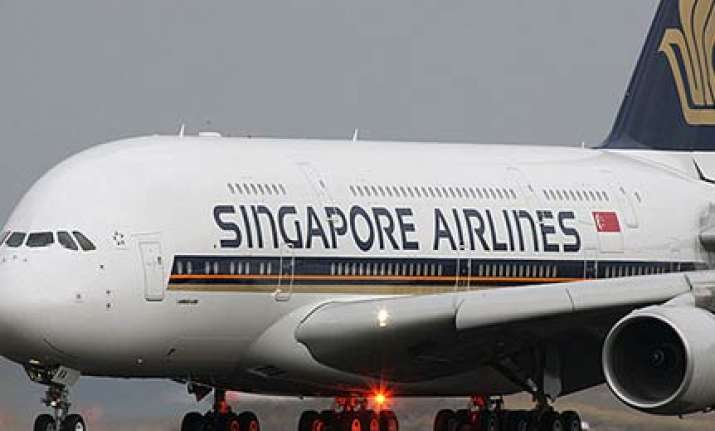 singapore airlines plane makes emergency landing in kolkata