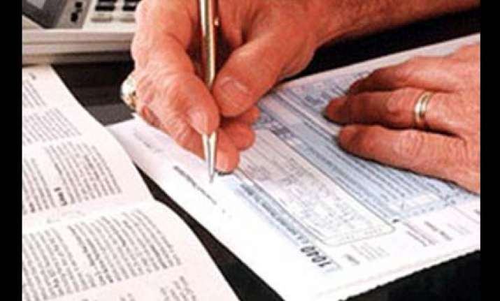 gratuity for pvt sector employees raised to rs 10 lakh