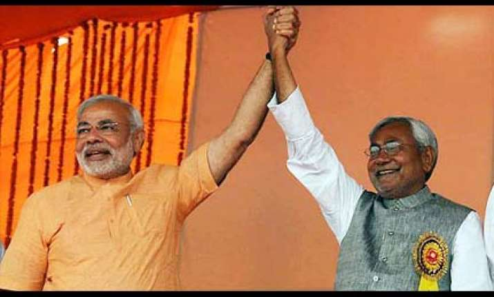 nitish snubs modi returns guj donation for kosi flood