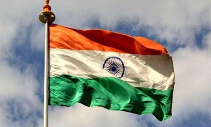 manohar parrikar hoists india s largest tallest tricolour