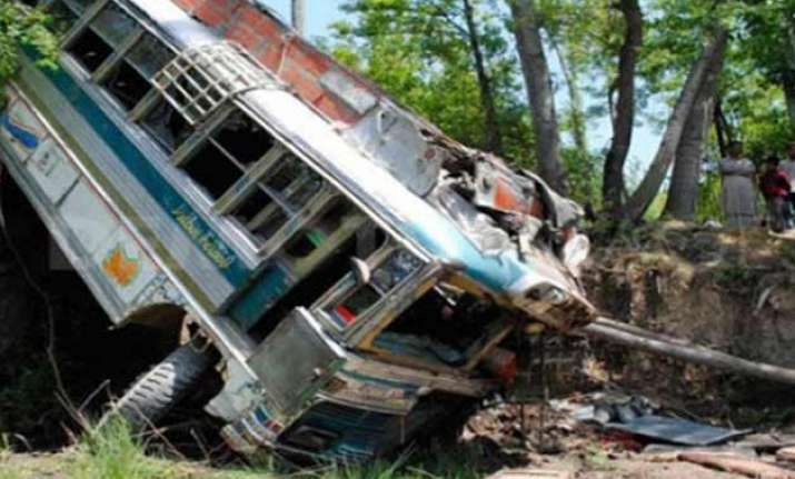 14 killed in jammu accident as mini bus fell into gorge