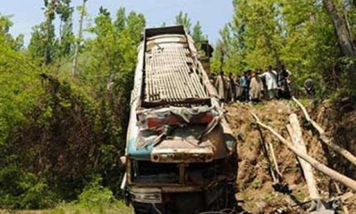 ssb jawan dead 35 injured in mishap in darjeeling