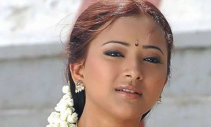 actress held in prostitution racket allowed to live with