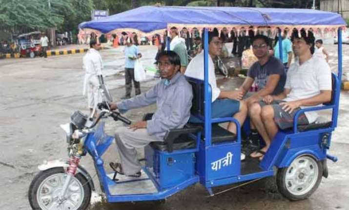 delhi govt to regulate e rickshaws to bring in more buses