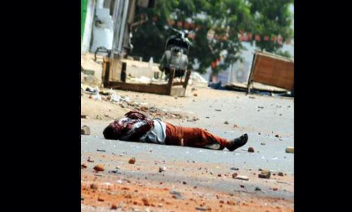 curfew in hyderabad one killed in riots