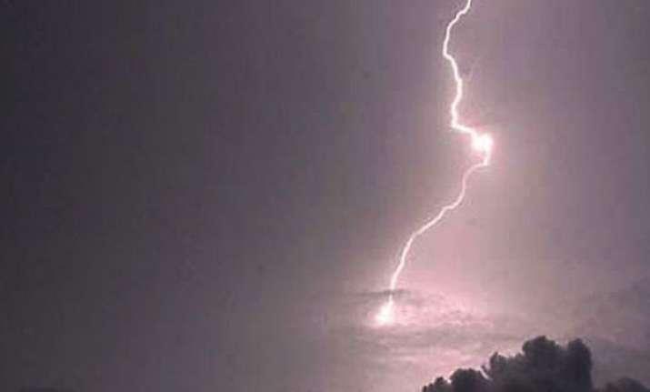 lightning kills eight in uttar pradesh