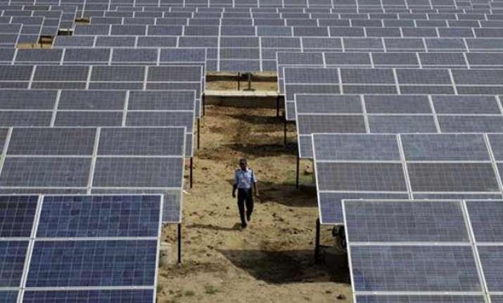 india aims to produce 100gw solar power