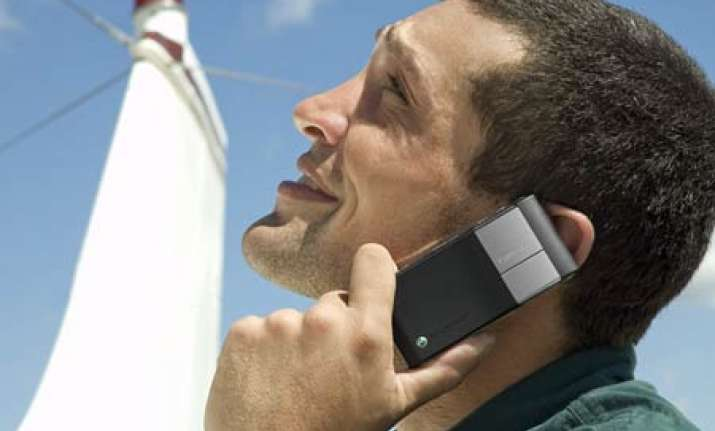 cellphone radiation poses health risk says govt panel