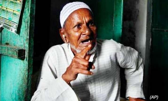ansari slams people trying to take ayodhya dispute to sc