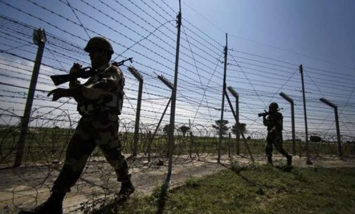 pakistan fires at indian positions in kashmir