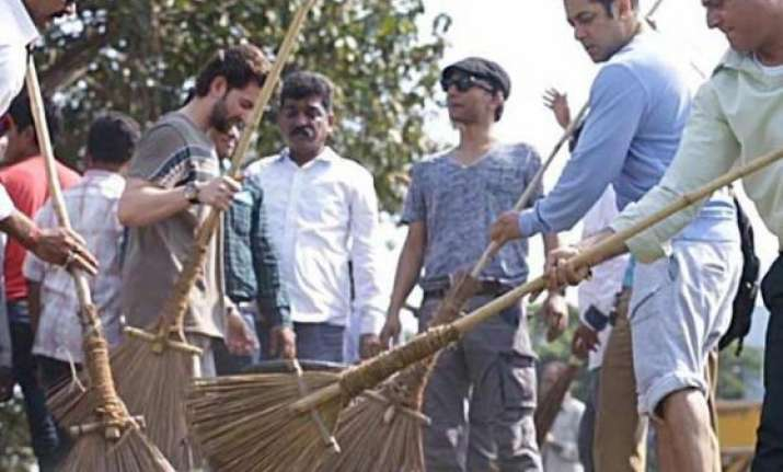 salman khan joins swachh bharat abhiyaan nominates india tv