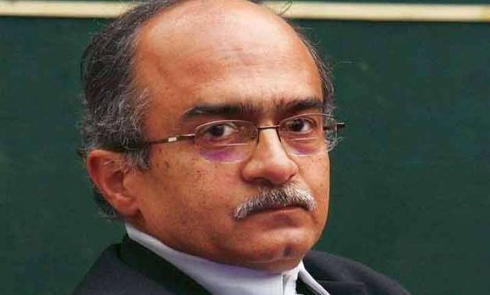 kejriwal wanted to form government with congress bhushan