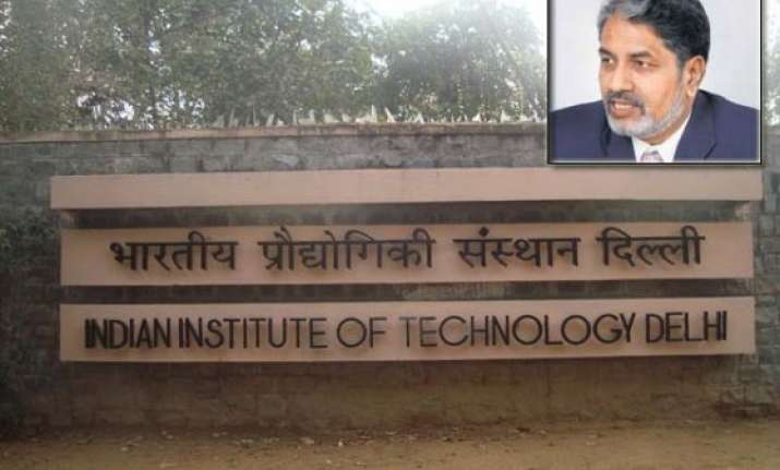 iit delhi director steps down under government s pressure