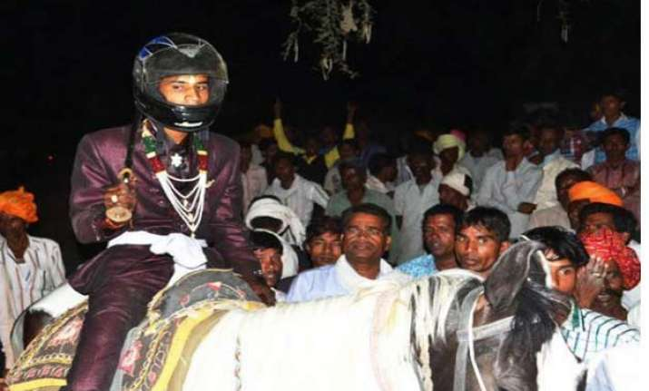 stones pelted on dalit groom for riding horse in procession