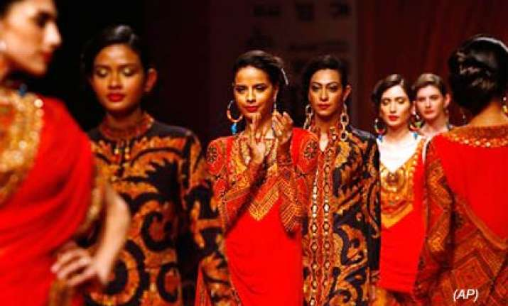 designers go traditional at delayed fashion week