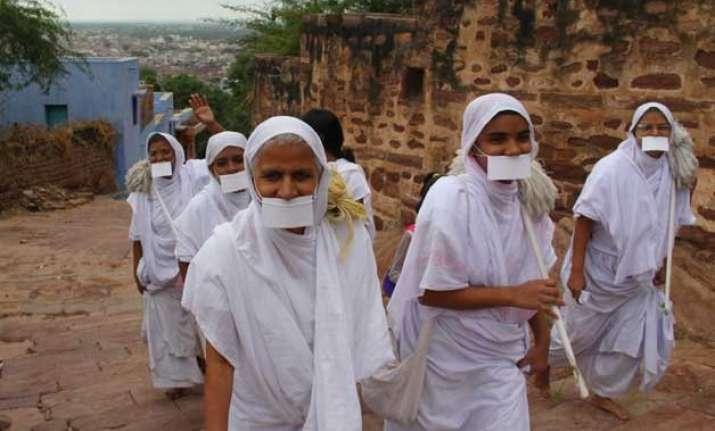 jain monk seeks 8 months to reach gujarat court from kolkata