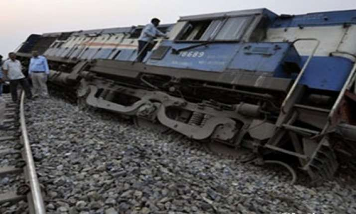 president pm condole deaths in up train accident