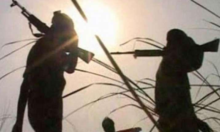 maoists torch 30 vehicles in bokaro