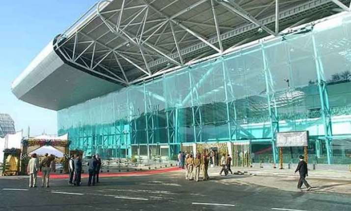 nri lady detained at amritsar airport with 25 bullets