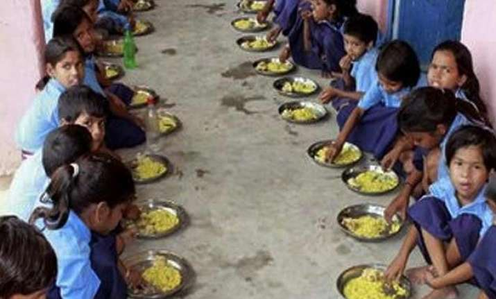 mid day meal to be a model scheme under sagy