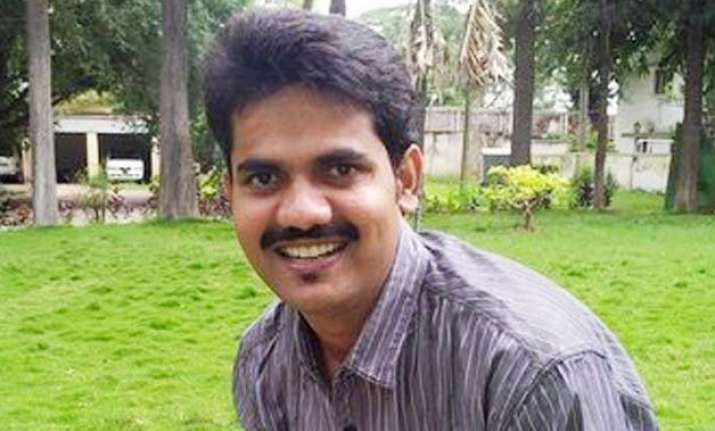 ias officer dk ravi who took on sand mafia found dead in