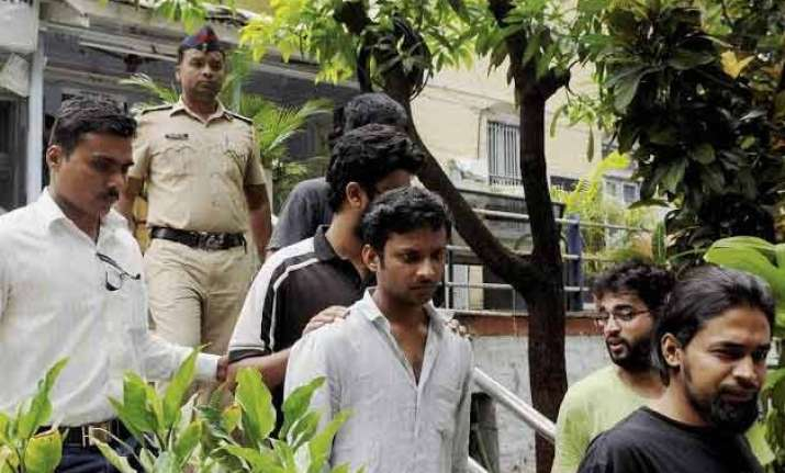 5 ftii students held for rioting i b team formed to resolve
