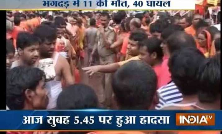 11 killed 40 injured in stampede near deogarh temple in