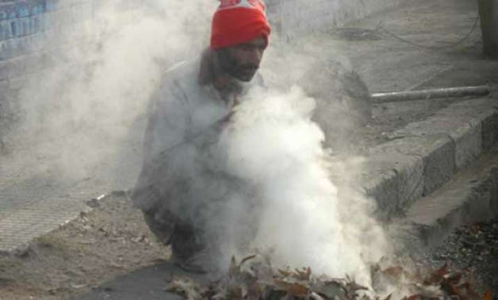 partial cloud cover improves temperature in jammu and