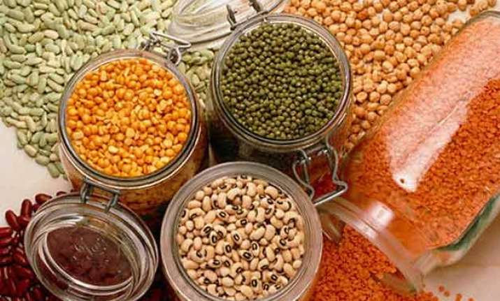 centre bihar in blame game over rise in prices of pulses