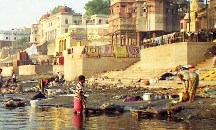 green panel asks centre up govt to explain floating corpses