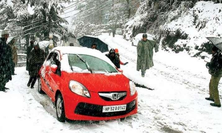 srinagar s hope for season s first snowfall vanishes