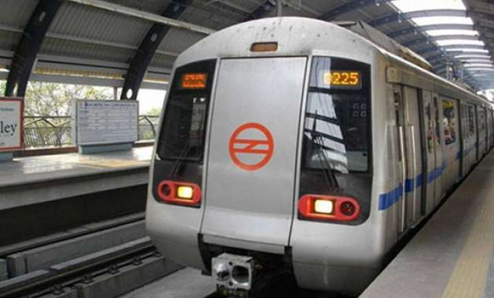 5 of the delhi metro stations to get wi fi soon