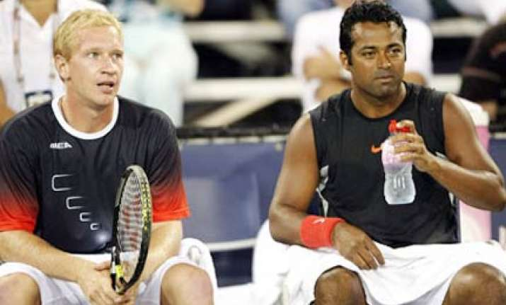 paes dlouhy in quarterfinals bopanna qureshi out