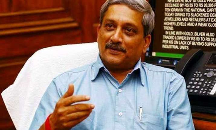 manohar parrikar arrives in j k to review security situation