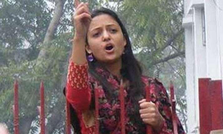jnusu vice prez shehla receives yet another hate letter