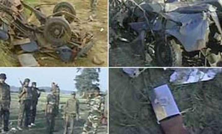 6 policemen killed in maoist landmine blast